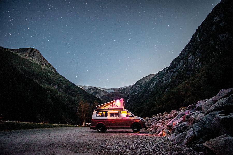 2-camping-car-900x600-px-72dpi