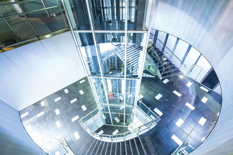3-ascenseur-900x600-px-72dpi