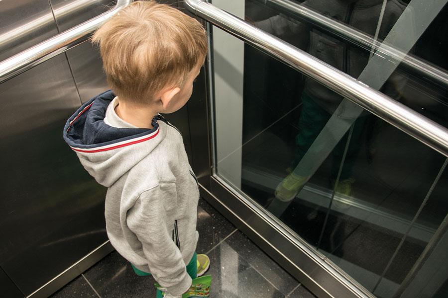 4-ascenseurs-900x600-px-72dpi